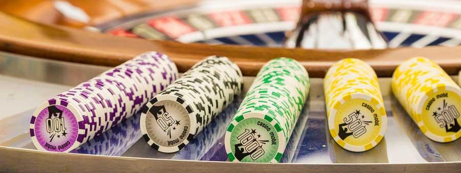 So spielt man Casino Spiele um Echtgeld auf dem Smartphone und Tablet